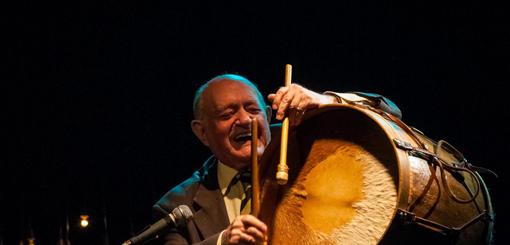 Héctor Larrea: Homenaje a Vitillo Ábalos