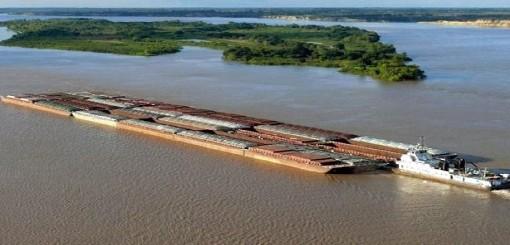 """Consideran """"un disparate"""" abrir la hidrovía a embarcaciones extranjeras"""