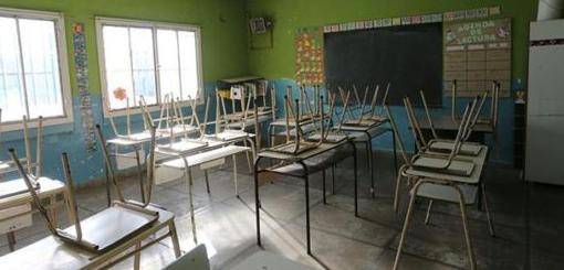 """Infraestructura escolar:La experiencia del """"Programa Nacional 700 escuelas"""""""