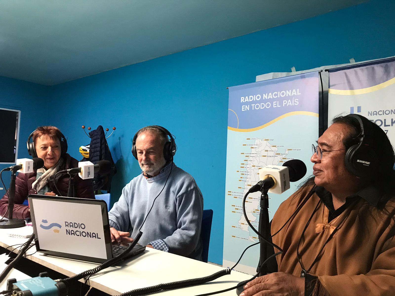 Luisa Valmaggia y Horacio Embón junto a Tomás Lipán